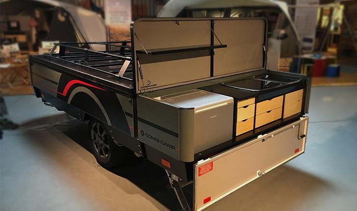 Nieuwe Combi-Camp keuken 2019 op grijze Country vouwwagen