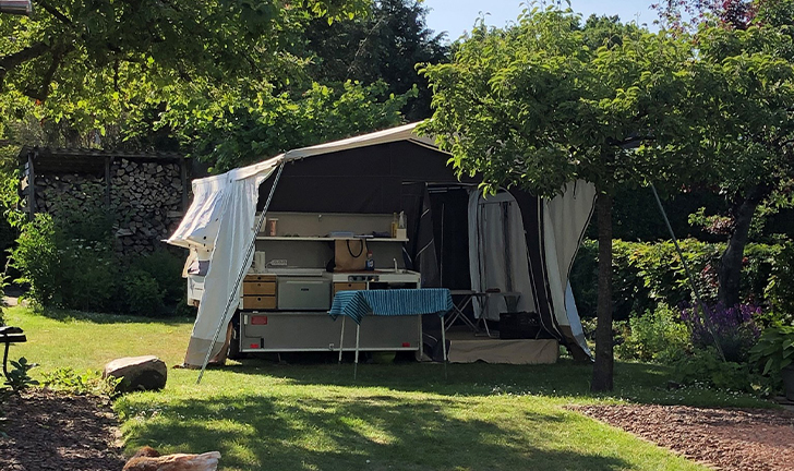 Combi-Camp Country vouwwagen kamperen in eigen tuin