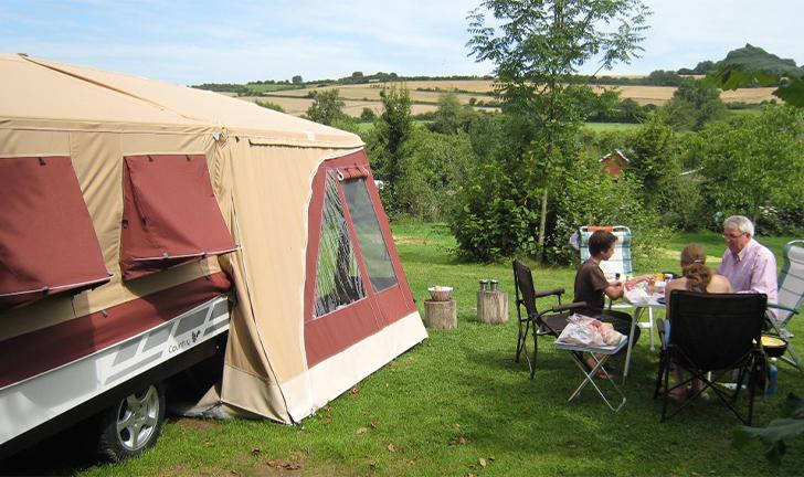 Combi-Camp Country vouwwagen bordeaux op camping