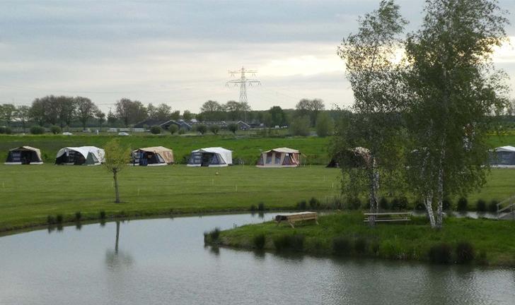 Combi-Camp vouwwagen Club op de camping