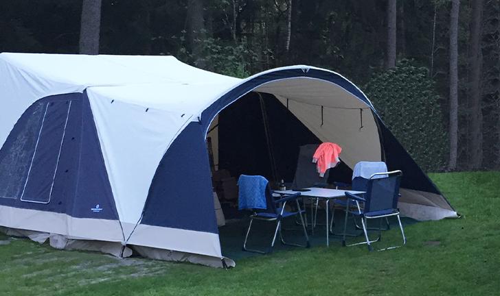 Combi-Camp FLEXI vouwwagen op de camping