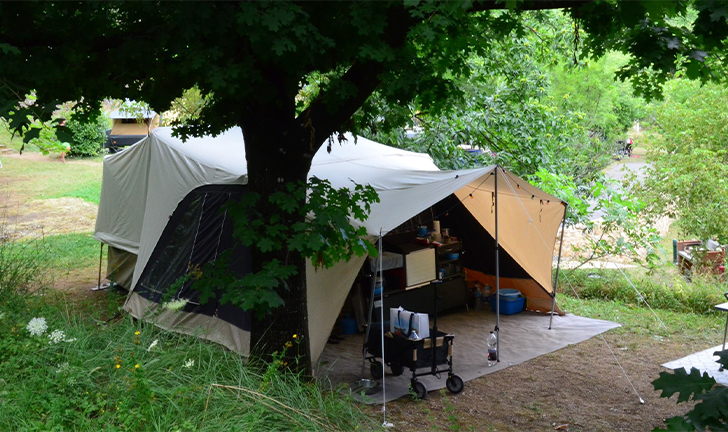 Combi-Camp FLEXI vouwwagen op camping Zuid-Frankrijk